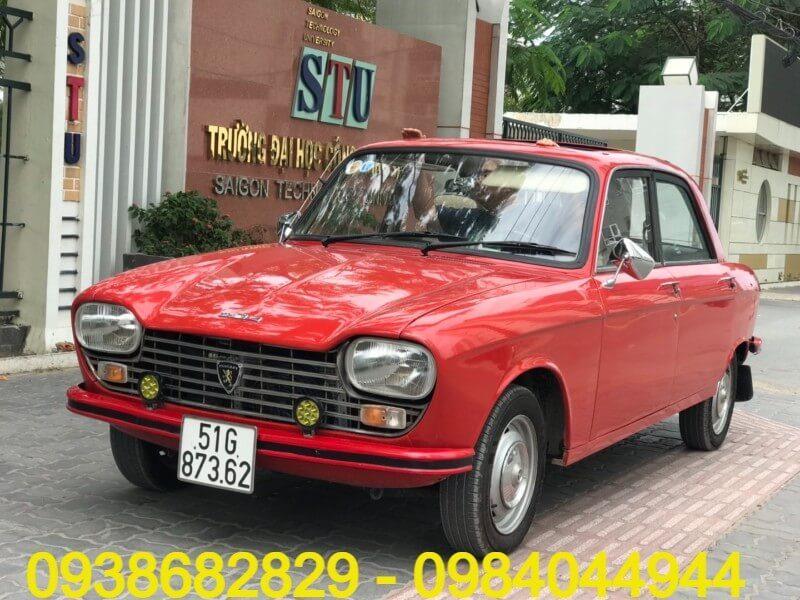 Cho thuê xe cổ Peugeot 204
